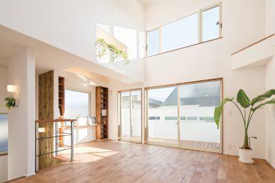 優しい光×天然素材がここちよいやまけん流カフェスタイルの家